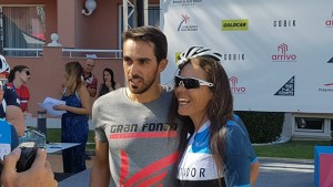 Alberto Contador getting his pic taken with Sue